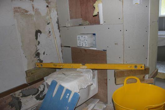 tiling around toilet 1